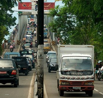 INDONESIA: Beating the Traffic