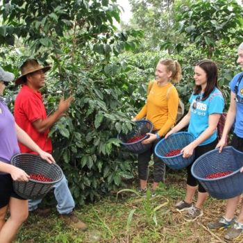WORLD VOICE: Volunteer Abroad with Unearth the World #studyabroadbecause